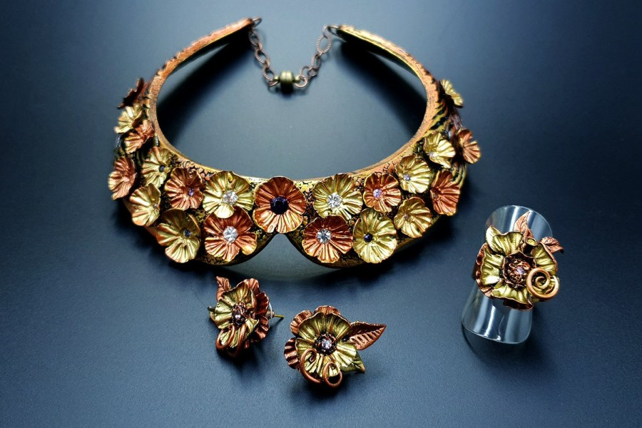 Flowers in Metal Jewelry set 05