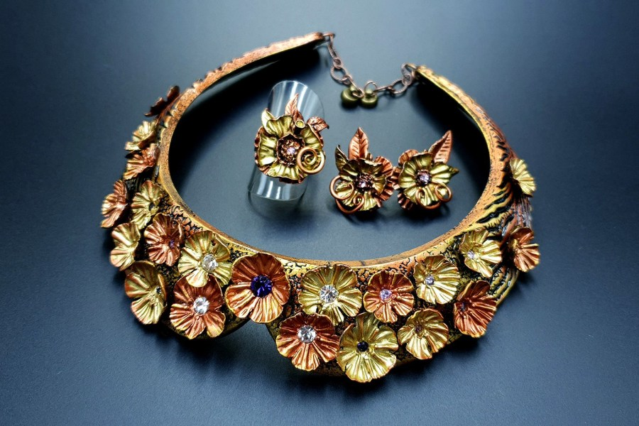Flowers in Metal Jewelry set 06