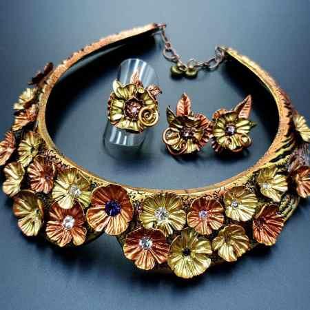"""Flowers in Metal"" Jewelry Set"