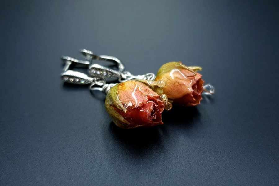 Frozen Roses Earrings 09