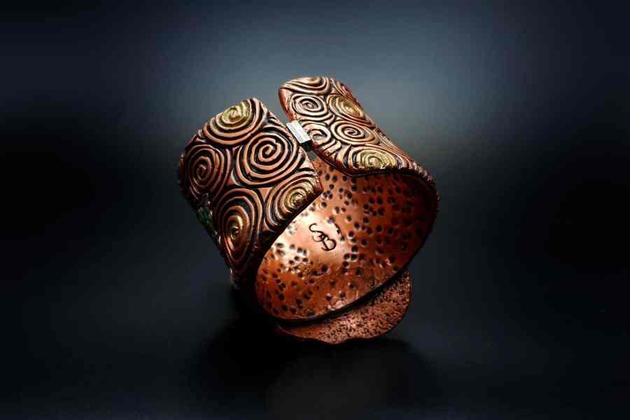 Product Begonia Leaf Bracelet Cuff 03