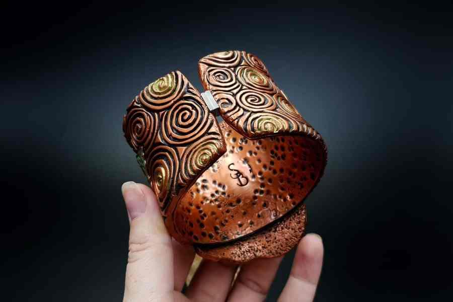 Product Begonia Leaf Bracelet Cuff 06
