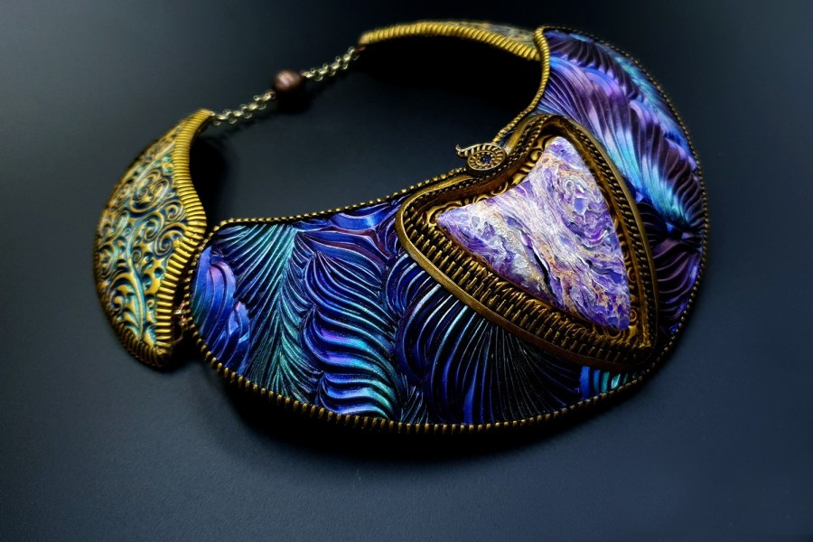 Product Electric Feathers Necklace 04