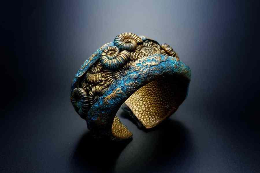 Product Fossilized Treasure Bracelet Cuff 03