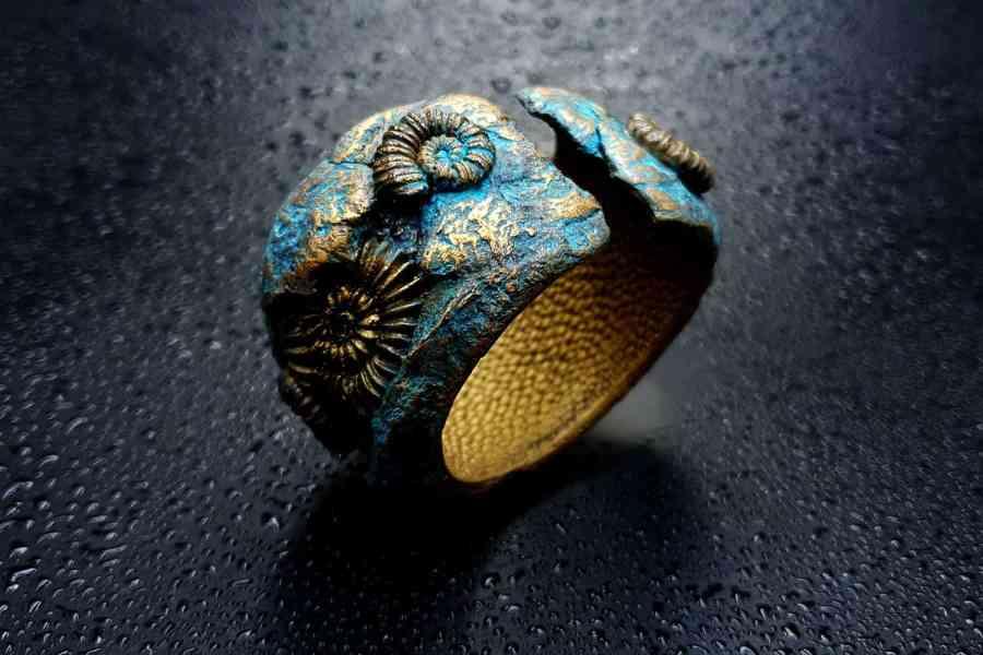 Product Fossilized Treasure Bracelet Cuff 08
