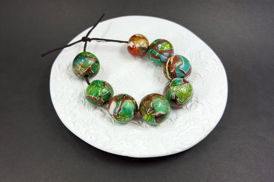 8 pcs Jade Beads p01