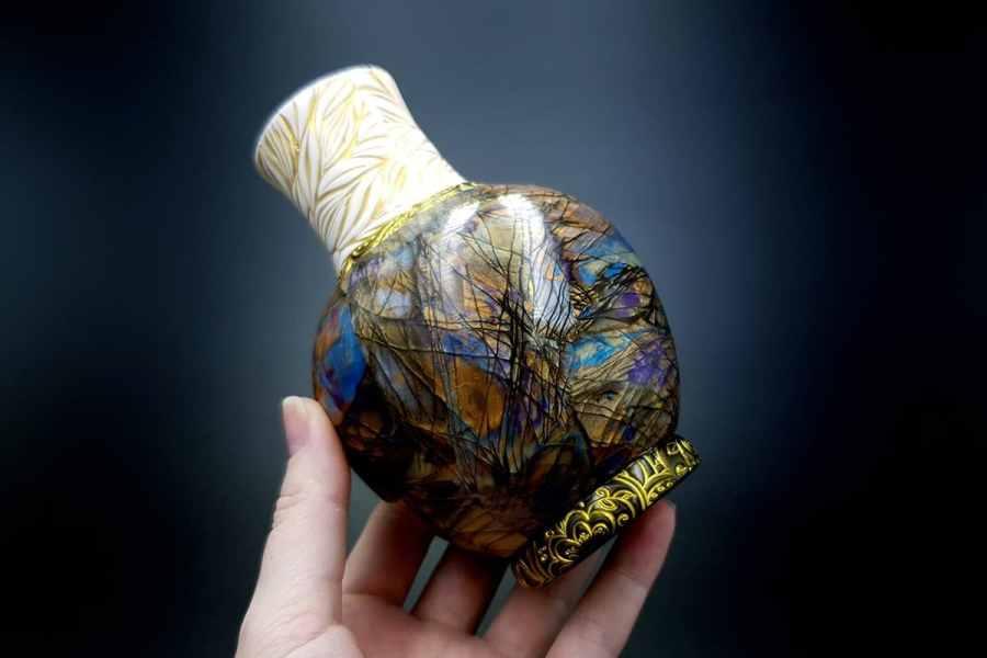 Labradorite Vase1 p05