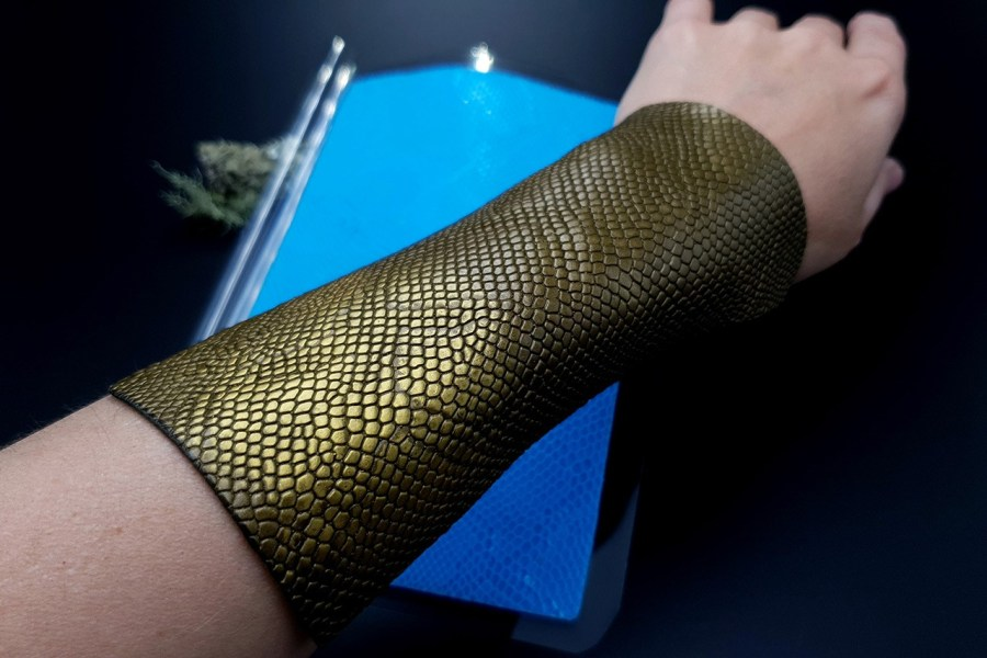 Realistic Snake Skin Silicone Texture - 180x120mm 4