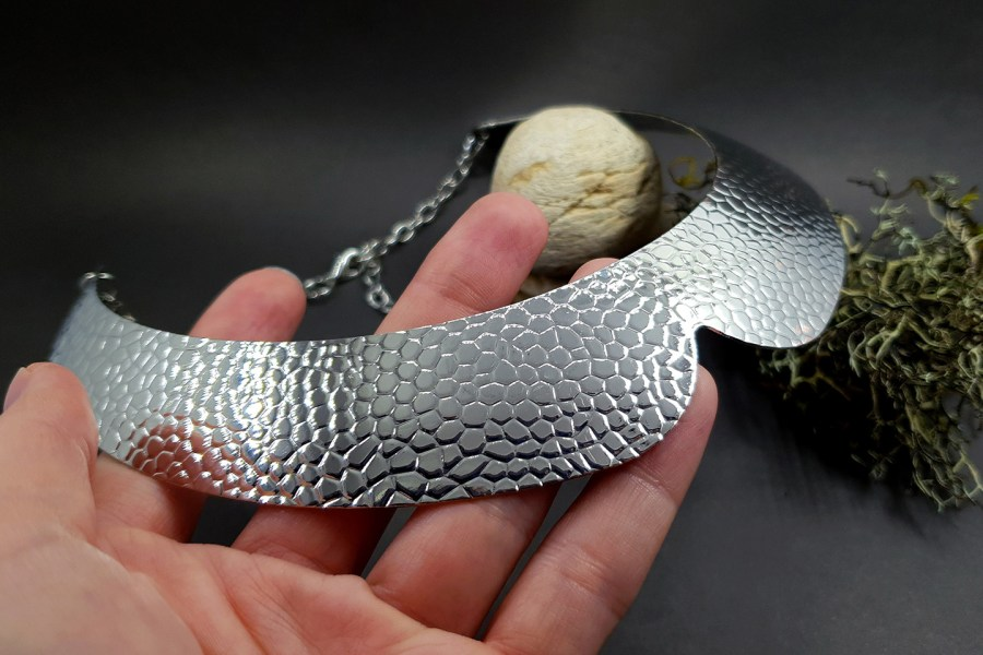 Metal silver color textured base for necklace 4