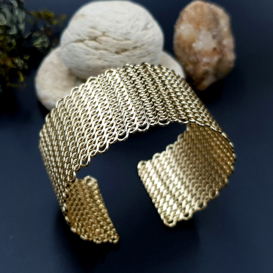 Metal gold color textured bracelets tool for baking 1