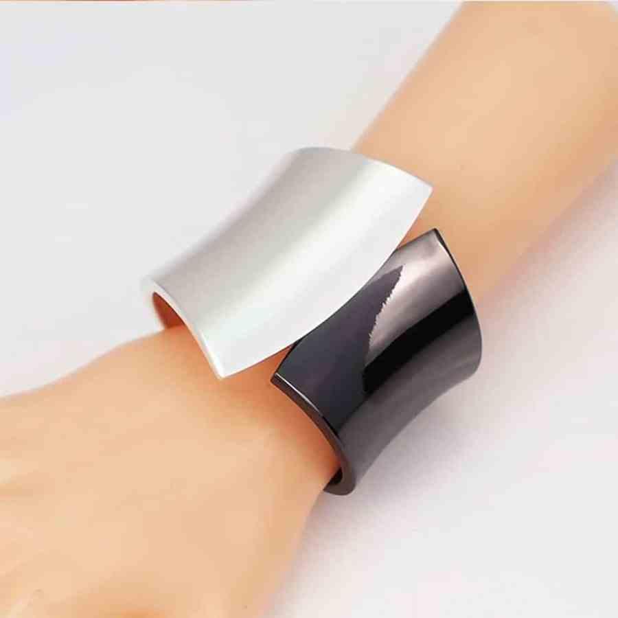 Metal base double side bracelet in Silver-Black color 4
