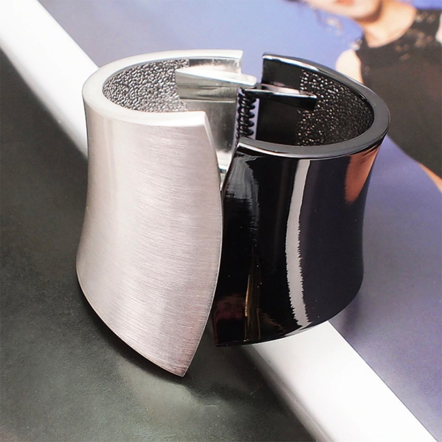 Metal base double side bracelet in Silver-Black color 2