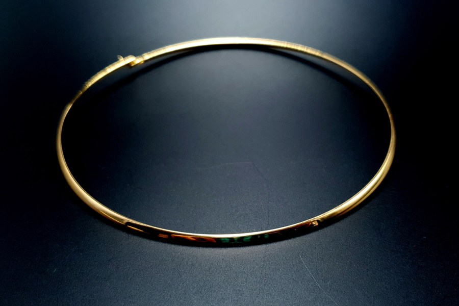 Metal Base Golden Necklace 2
