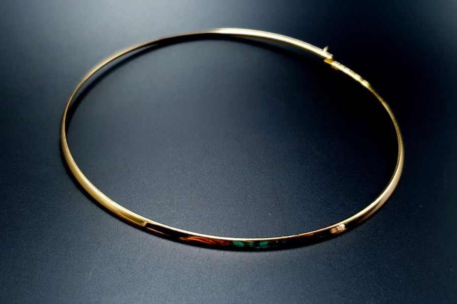 Metal Base Golden Necklace 3