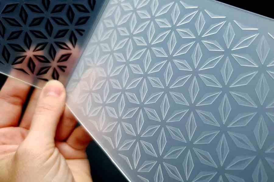 Geometric Flowers (10.5x15) - Plastic Texture 5