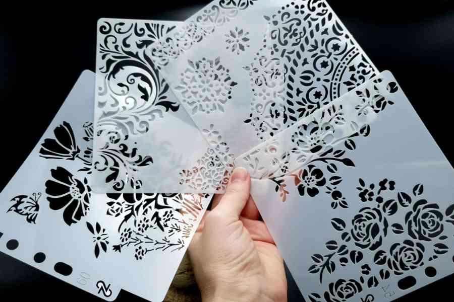 """Set of 4 pcs """"Floral"""" Plastic Stencils 4"""