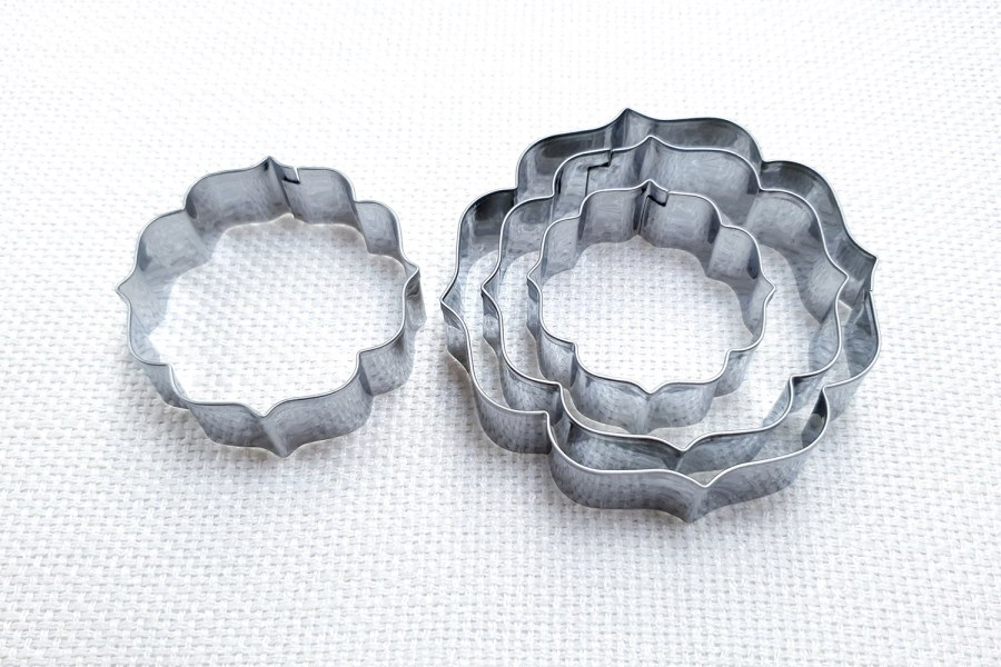 4 pcs Stainless Steel Round Shaped Cookie Cutters 1