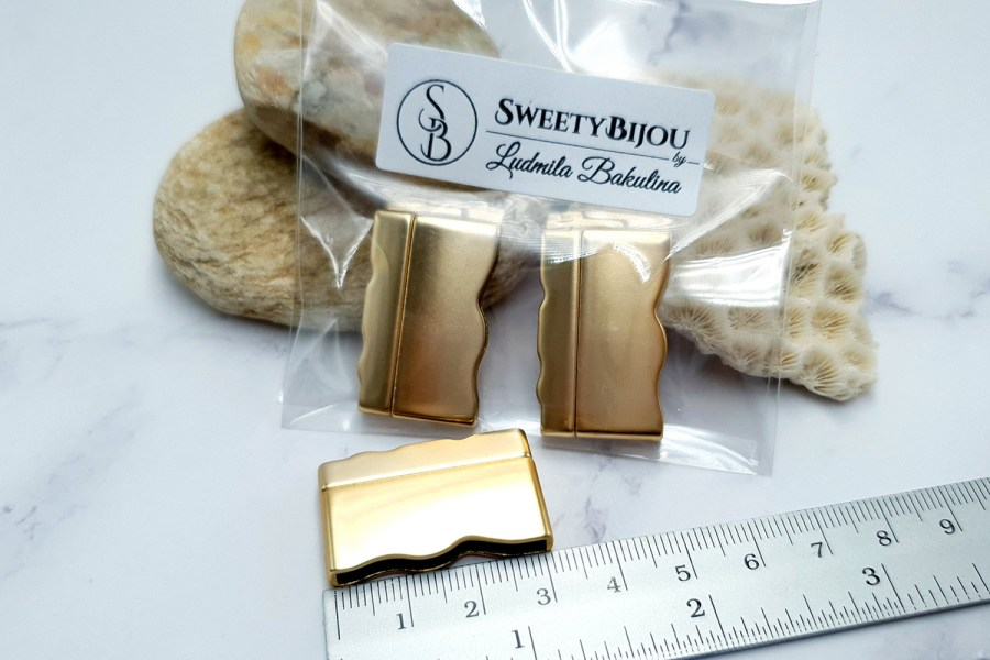 2 pcs set of golden color magnetic clasps 9