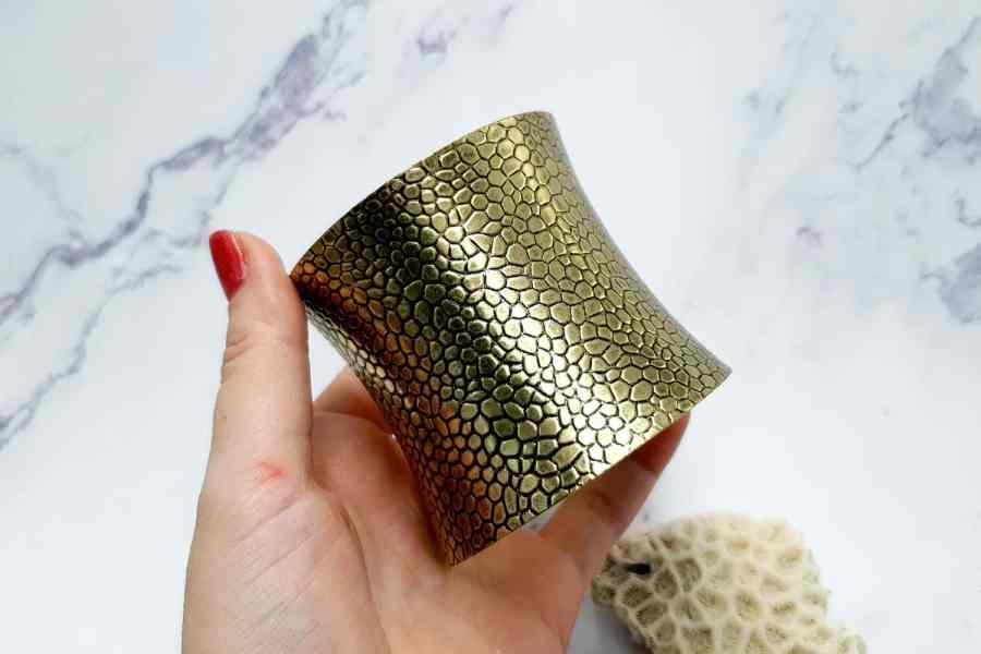 Bracelet metal base reptile pattern, aged bronze color