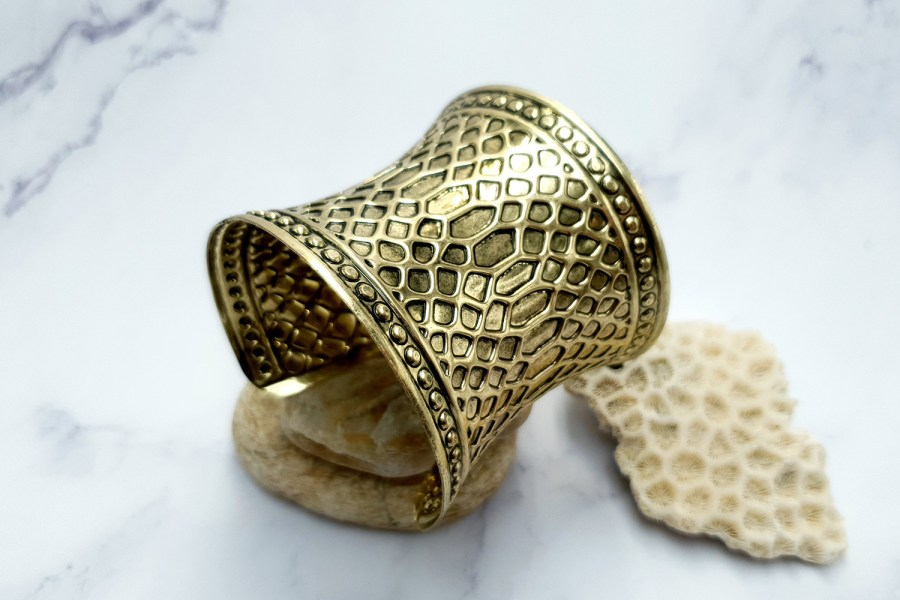 "Bracelet Metal Base ""Snake Skin"" Pattern - aged bronze color, 70mm 1"