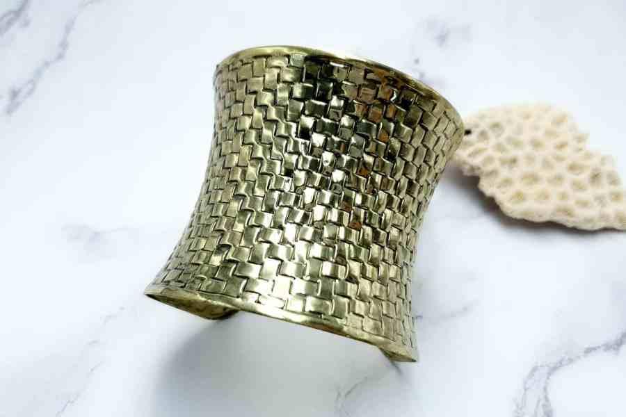 Bracelet metal base, basket pattern, aged bronze color