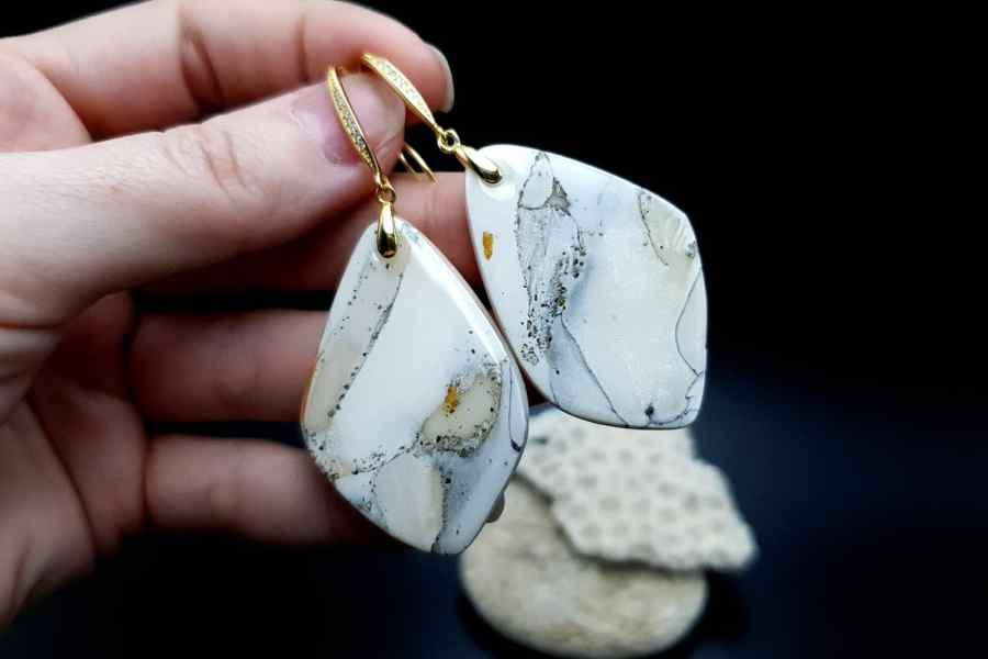 """""""Marble"""" Faux marble earrings 5"""