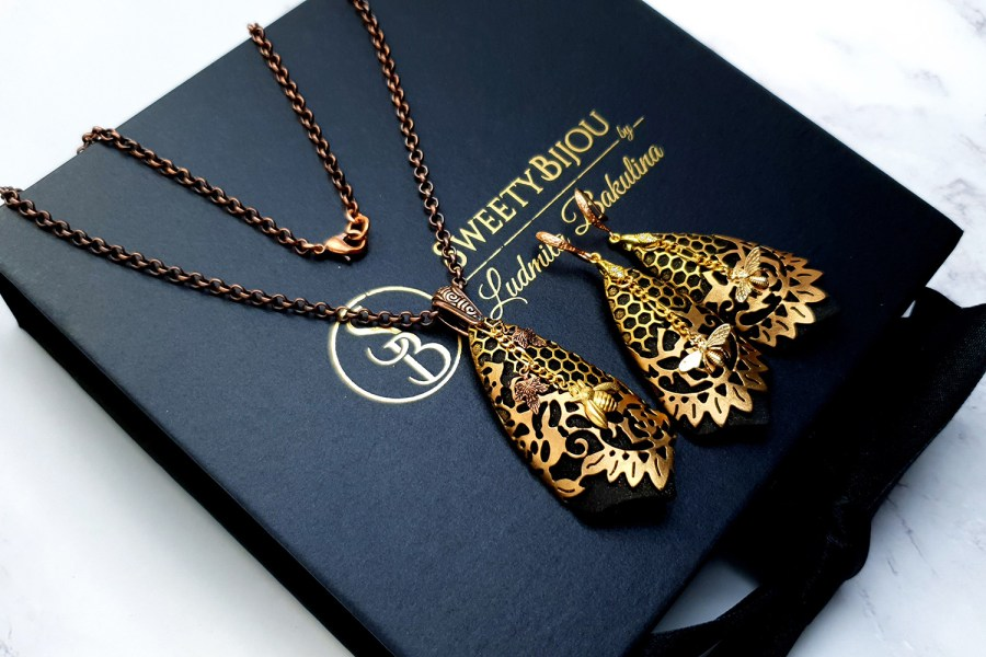 "Jewelry Set ""Golden Bees"" 4"