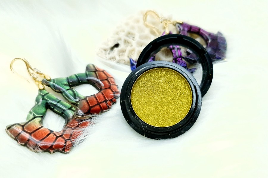 "Solid Powder ""Greenish Gold"" 2"