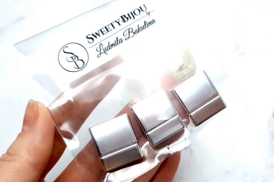 3 Pieces Of Silver Color Magnetic Clasps (short)