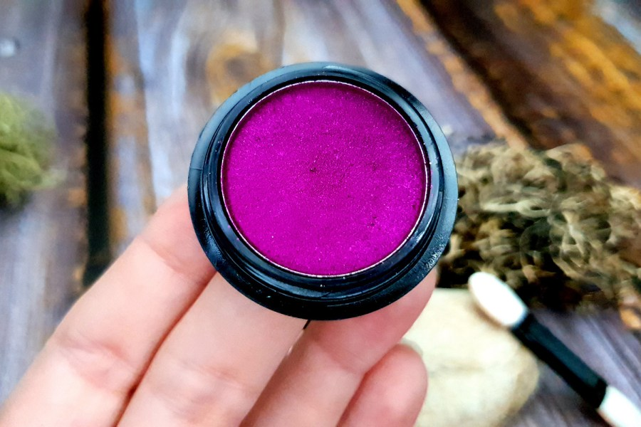 "Solid Pigment Powder ""Magenta"" with Metal and Chrome Effect 8"