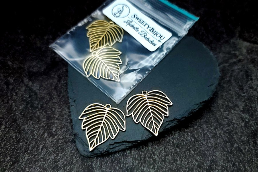 Pair of matt golden color beautiful leafs charms for earrings 2