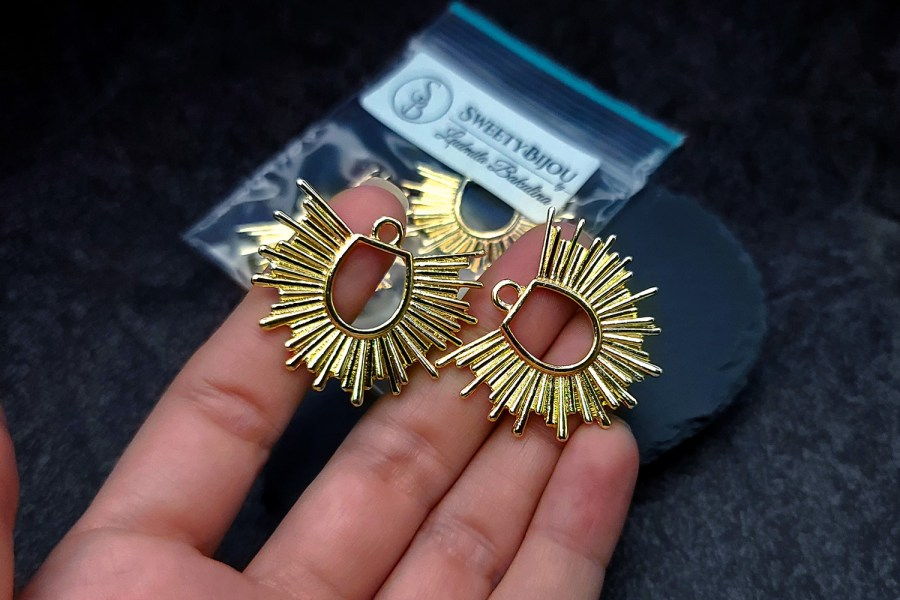 Pair of golden color half-sun charms for earrings 5