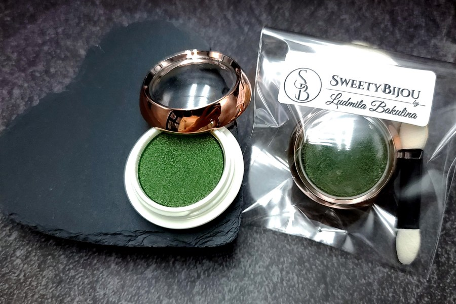 """Solid Powder """"Shaded Green"""" with Metal and Chrome Effect Pigment Powder 5"""