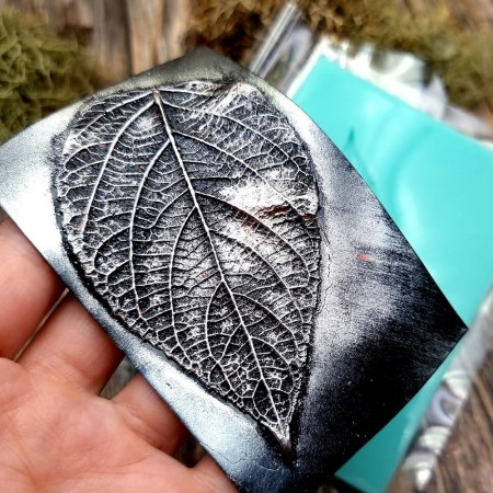 Detailed Sharp Leaf – Handmade texture-mold of real leaf