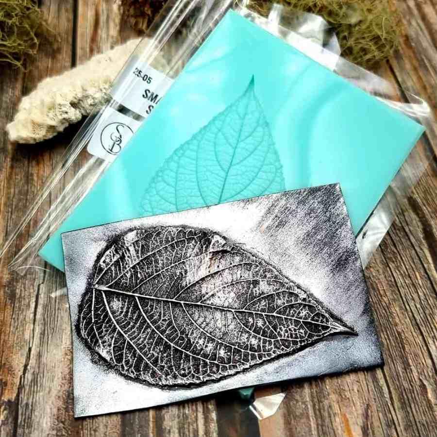 Detailed Sharp Leaf - Handmade texture-mold of real leaf