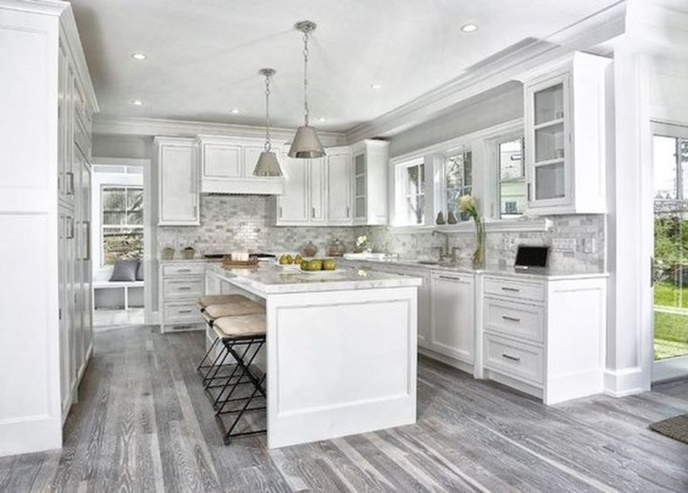 Amazing White Kitchen Design Ideas Which Will Make You Like Cooking 36