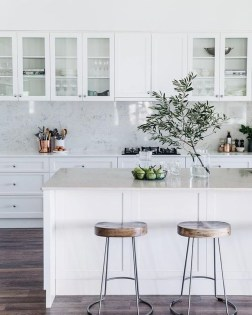 Amazing White Kitchen Design Ideas Which Will Make You Like Cooking 38