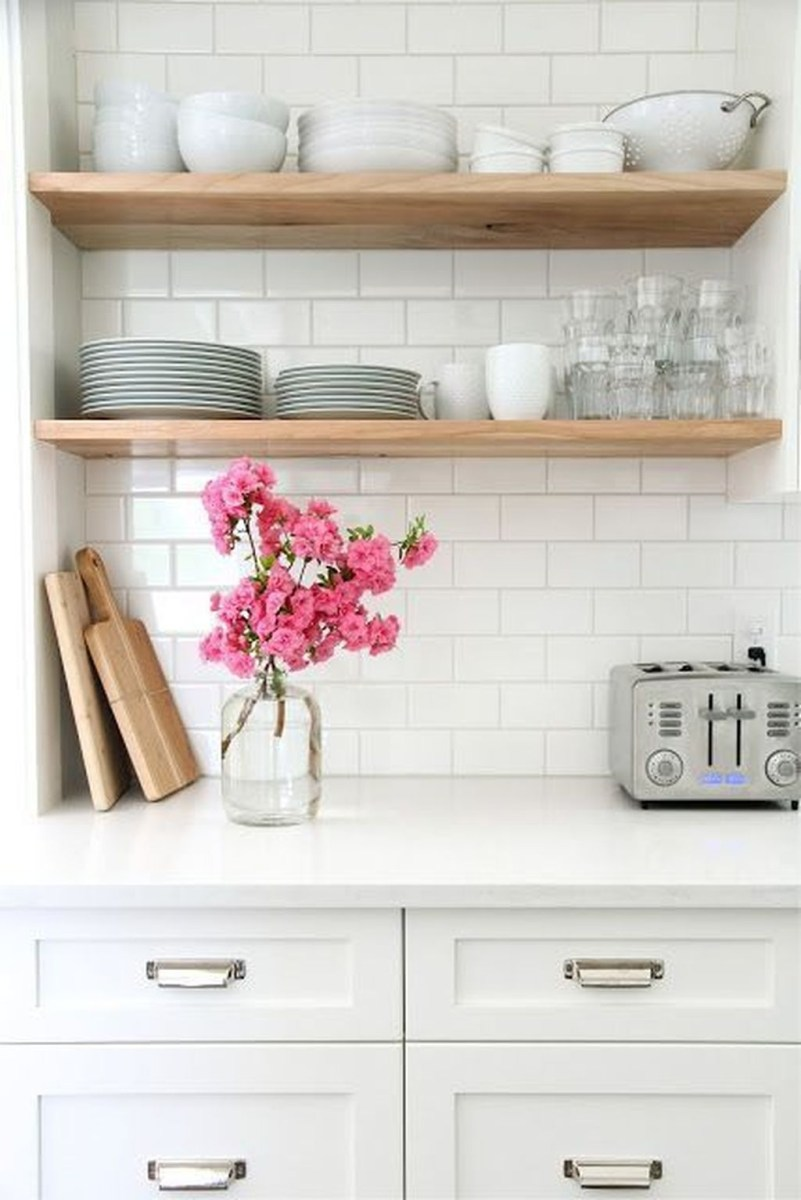 Amazing White Kitchen Design Ideas Which Will Make You Like Cooking 45