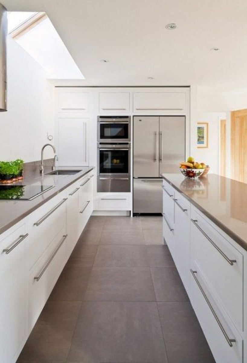 Amazing White Kitchen Design Ideas Which Will Make You Like Cooking 46