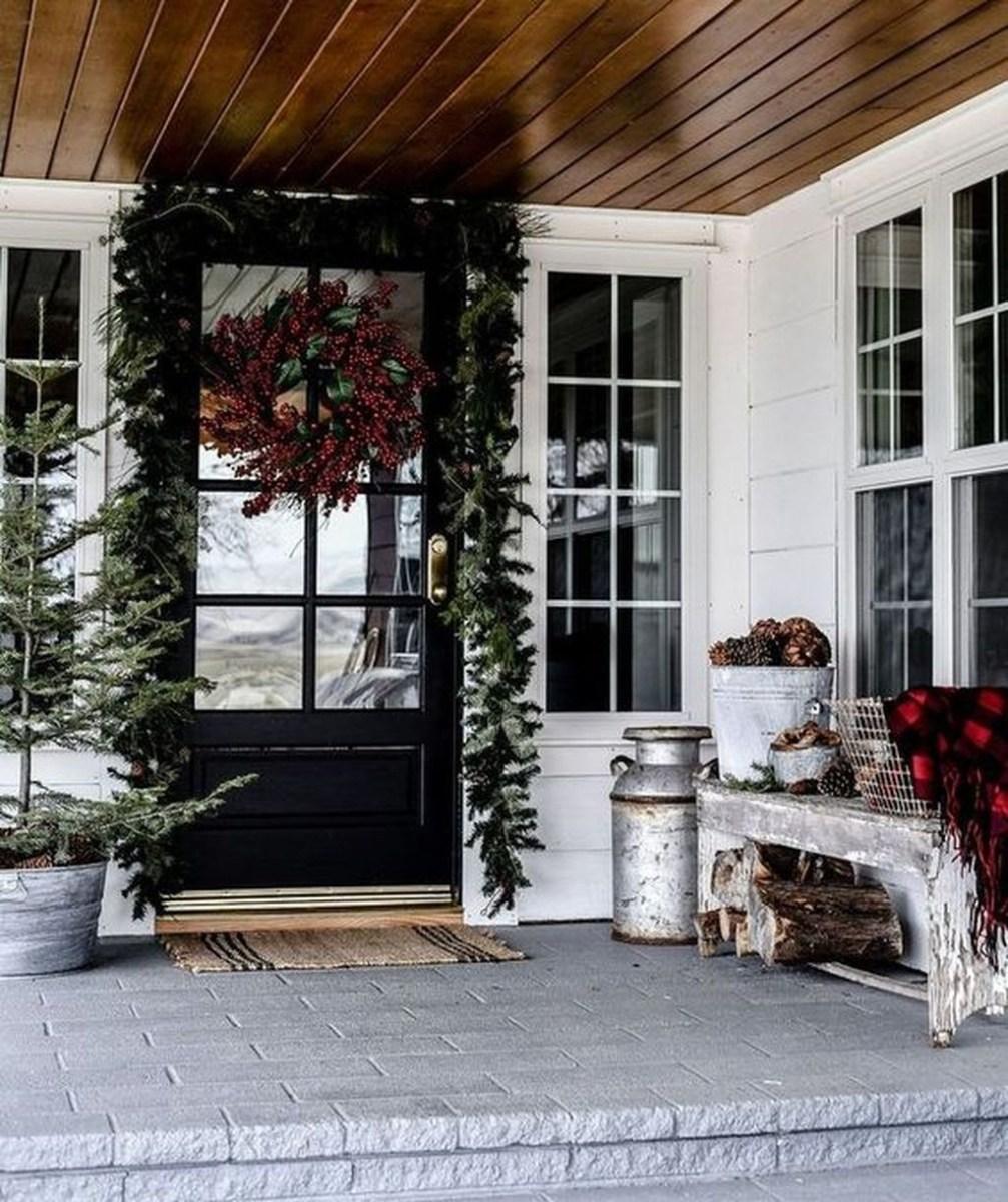 Amazing Winter Home Decoration Ideas 02
