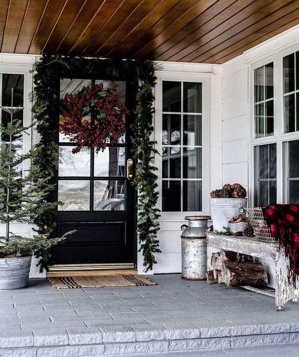 Amazing Winter Home Decoration Ideas 02