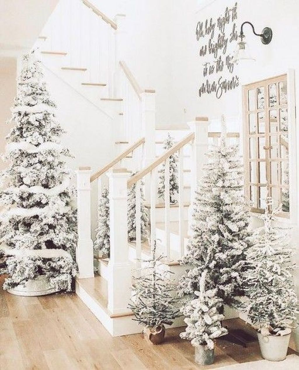 Amazing Winter Home Decoration Ideas 34