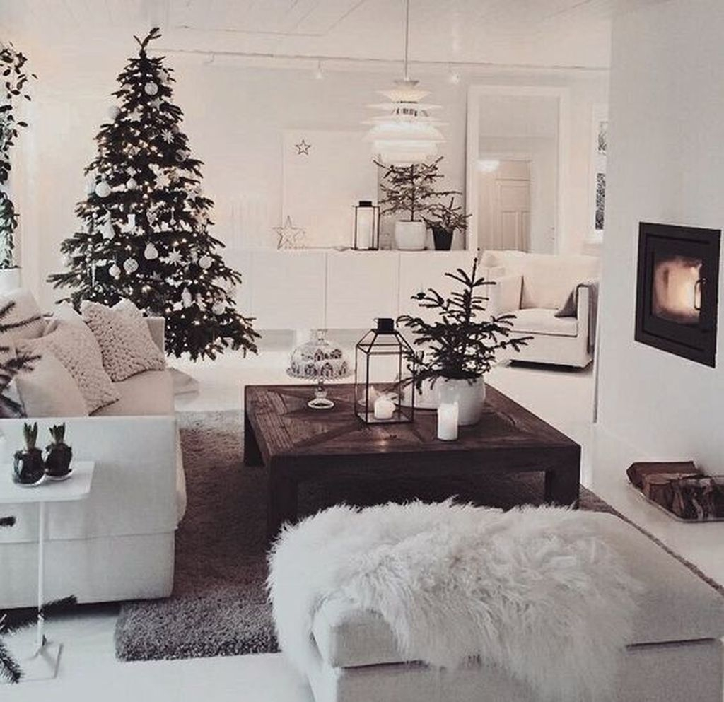 Amazing Winter Home Decoration Ideas 35