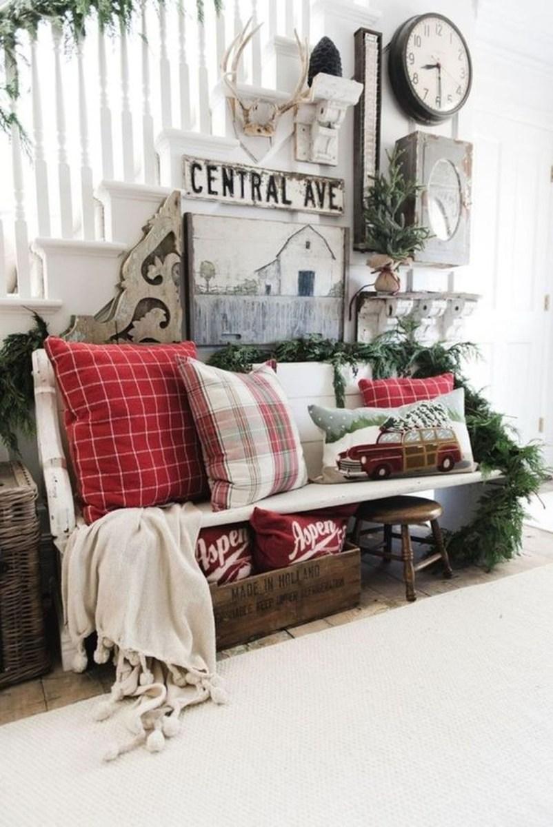 Amazing Winter Home Decoration Ideas 36