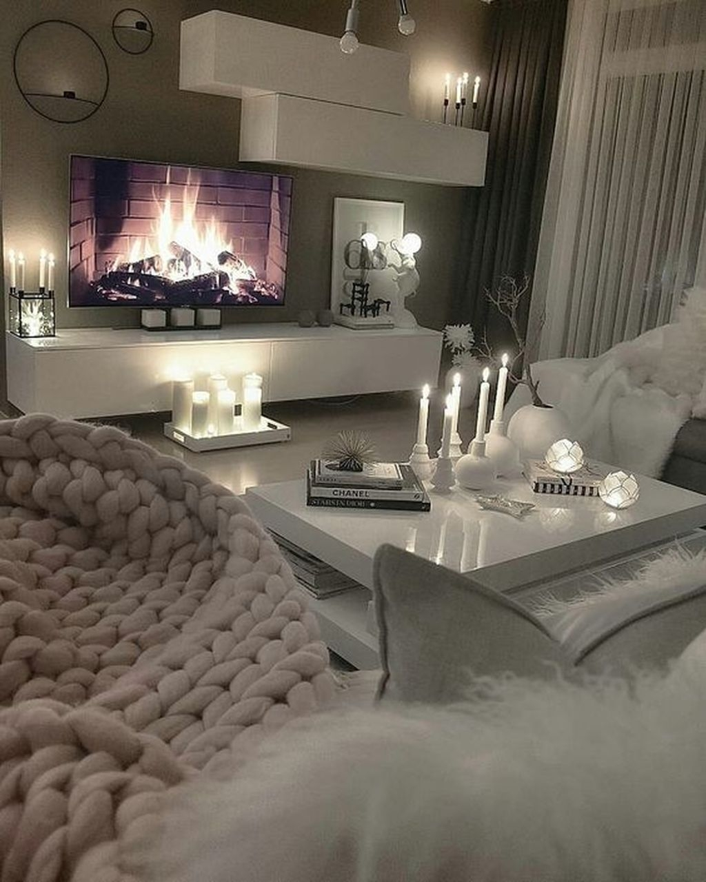 Awesome Winter Simple Living Room Decor Ideas You Must Try 31