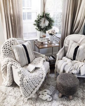 Awesome Winter Simple Living Room Decor Ideas You Must Try 39