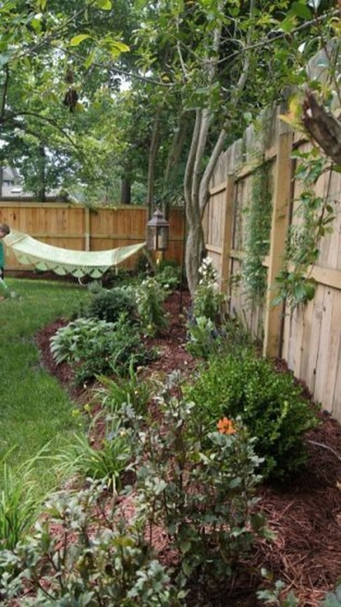 Beautiful Small Backyard Landscaping Ideas 47