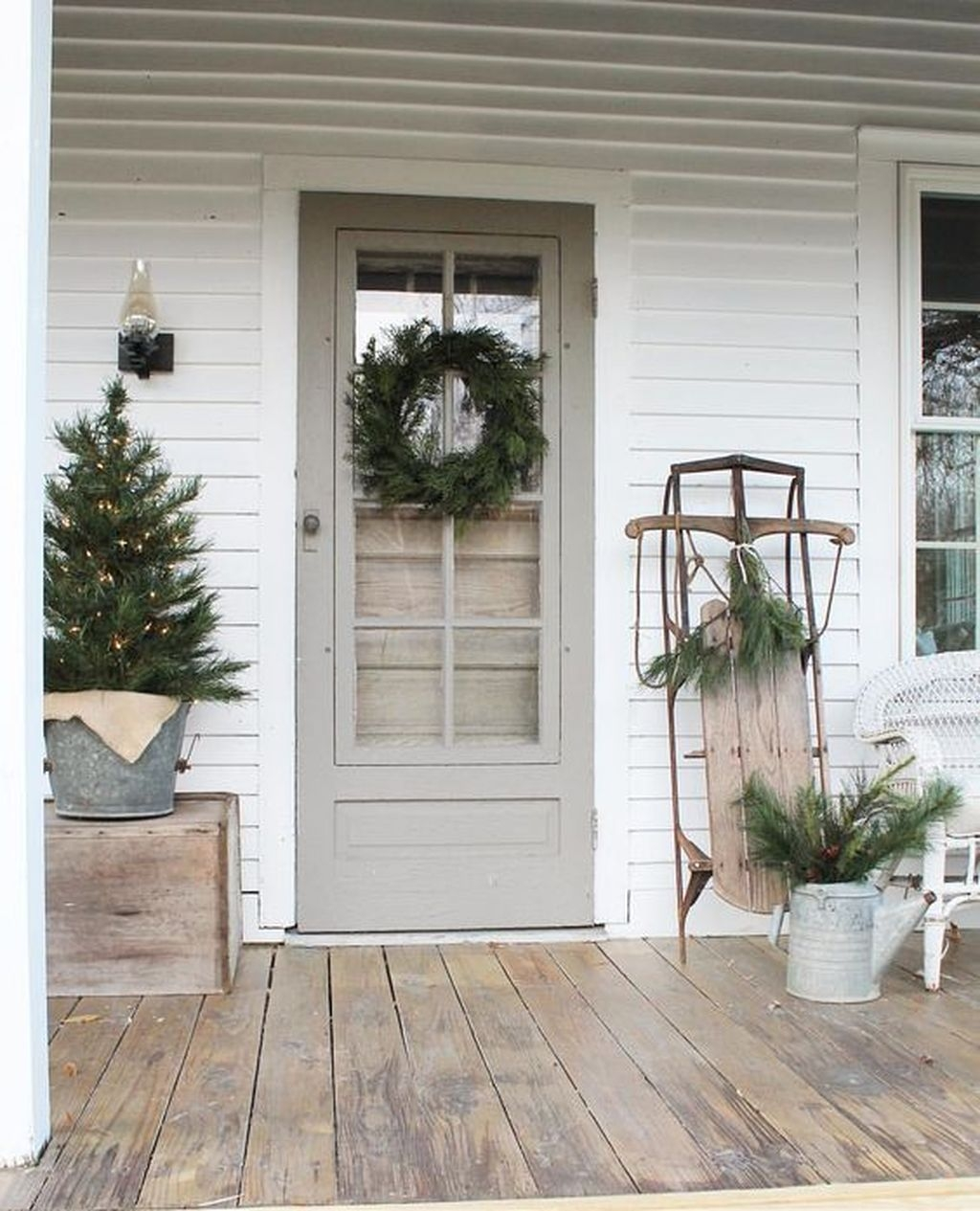 Gorgeous Winter Front Porch Design Ideas 28