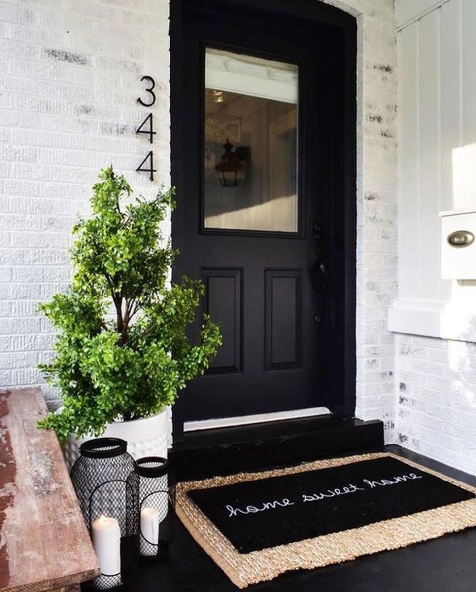 Gorgeous Winter Front Porch Design Ideas 38