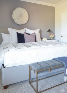Lovely Winter Master Bedroom Decorations Ideas Best For You 09